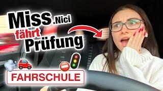 Praktische Führerscheinprüfung mit MissNici 🚘 | Fischer Academy