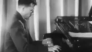 9 августа 1942 г. Шостакович впервые исполнил 7-й симфонию в Блокадном Ленинграде