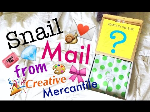 Trying Out a Subscription Box - Creative Mercantile || Planner #HappyMail
