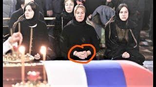 Что Батурина положила в гроб Лужкову