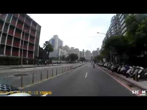 亞東 計程車違規排班差點車禍