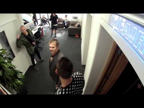 Brad's office disappears | Jono and Ben