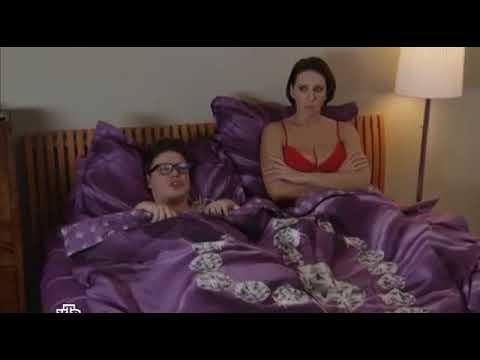 Алика Смехова в постели
