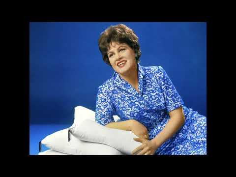 Patsy Cline:  I Fall To Pieces