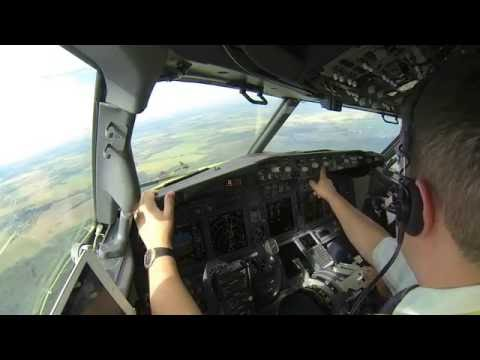 Pilot Stories: Boeing737-800. Approach, Landing And Taxiing. Moscow, DME