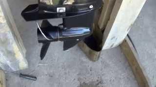замена масла в редукторе лодочного мотора(, 2014-07-07T01:44:57.000Z)