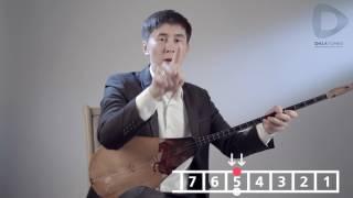 Игра на домбре   видеоурок   урок №3 «Биз  омирдин гулимиз»