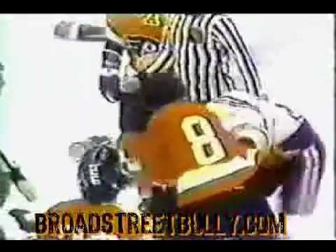 Hockeyfighters.cz  Dave Schultz vs Keith Magnuson.wmv