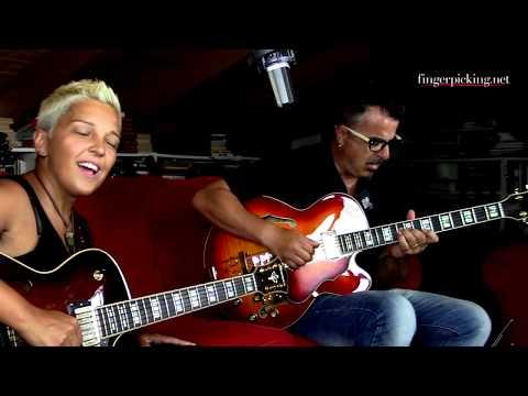 Simona Grasso & Paolo Anessi: Fly Me Nel Blu