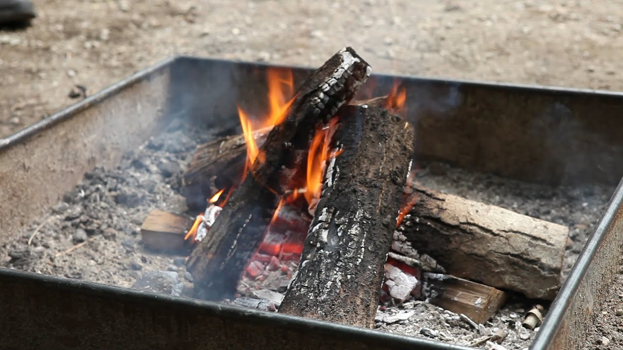 Comment allumer un feu de camp c mo hacer una fogata - Comment allumer un feu insert ...