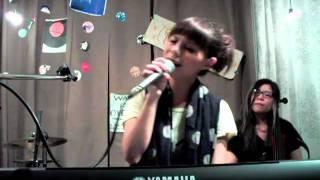 20111015呼嚕咖啡-新專輯暖唱會-許哲珮- 誰 4.12