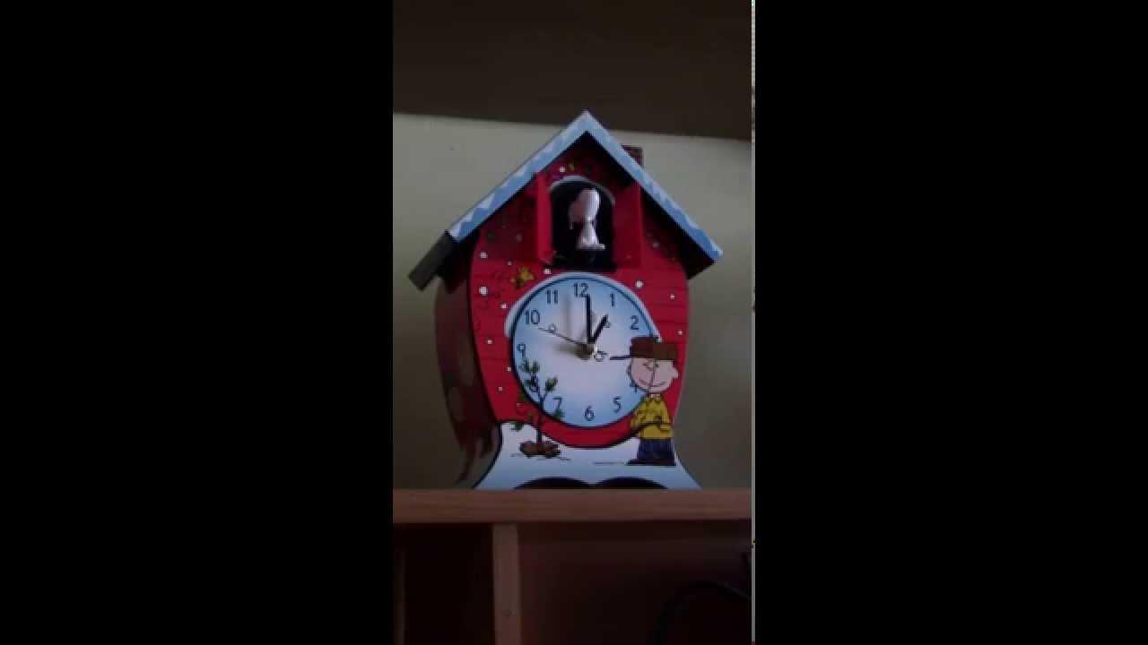 Peanuts Christmas Cuckoo Clock - YouTube