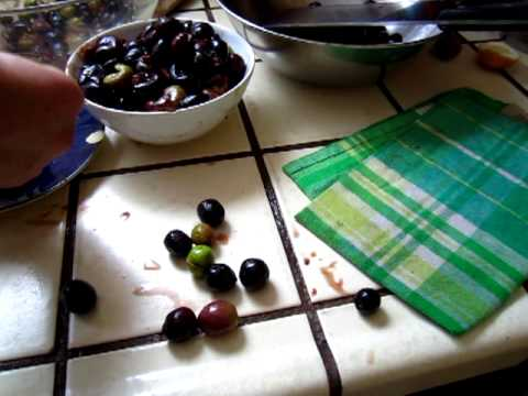 Curing olive and taking off stones