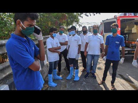 شاهد: سيارات إسعاف خاصة في مومباي لمواجهة كورونا.. ورحلات مجانية للفقراء…  - 07:58-2020 / 6 / 2