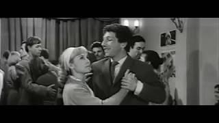 Танцы Надежды Румянцевой и Савелия Крамарова