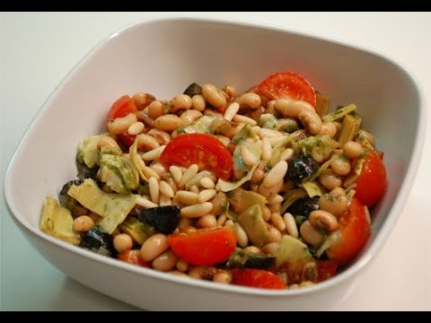 HEALTHY SALAD USING SHELF STABLE FOODS