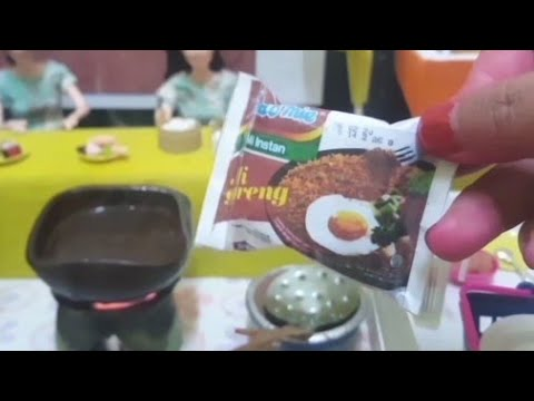 Barbie Masak Indomie Goreng Pedasss Cerita Barbie Bahasa Indonesia Youtube