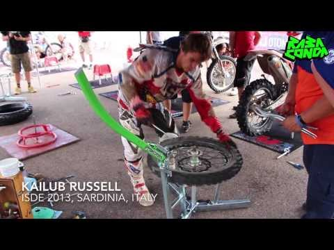 fast-tyre-change-by-kailub-russell-at-isde-2013