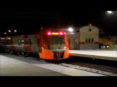 "ЭС1-037 ""Ласточка"" на станции Колпино  (поезд 804М Великий Новгород – Санкт-Петербург)"