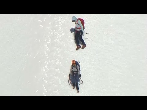 MT HOOD RESCUE:  Dramatic helicopter video of rescue of climber who fell and 7 others who were stran