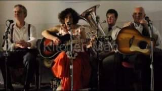 Black Cat Jook Band Overseas Stomp, Kitchen Man.wmv