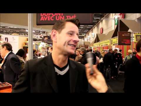 Christophe Devé Journaliste Et Présentateur Au Salon Du Chocolat Youtube