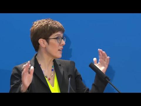 Nachfolge von CDU-Parteichefin Merkel: Generalsekretärin Kramp-Karrenbauer über ihre Kandidatur