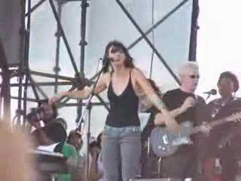 Cat Power singing Crazy by Grarls Barkley