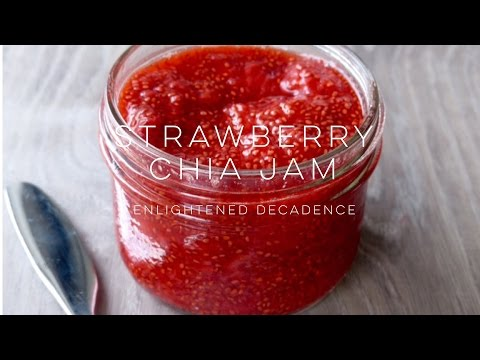 Strawberry Chia Jam (vegan) | THE SIMPLE GREEN