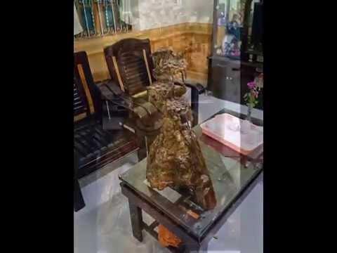 Bán tượng gỗ thủy tùng
