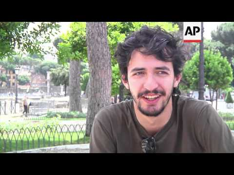 Young jobless talk about employment worries on eve of Rome meeting