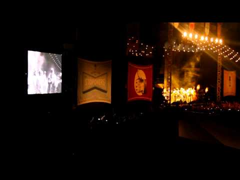 Mumford and Sons performs Wagon Wheel live in Bristol, VA TN Gentlemen of the Road Stopover
