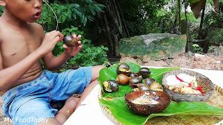 Primitive Technology - Cooking Snail Amok - How To Make Snail Amok ...