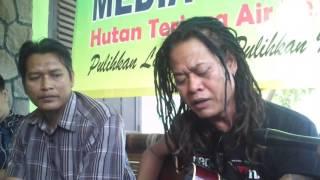 Tony Q Rastafara di WALHI Lampung