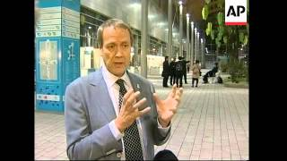 News conference by UN climate official Yvo de Boer, WWF spox