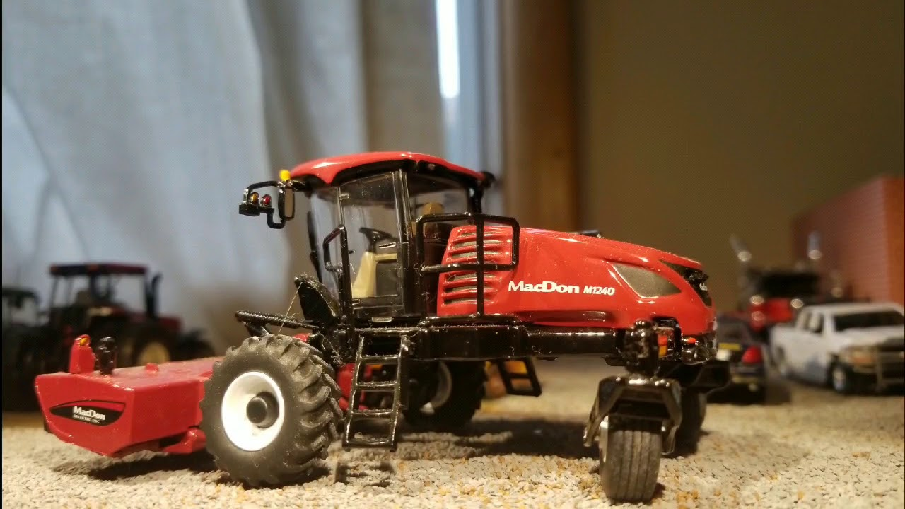 Speccast 1/64 macdon m1240 swather with d1xl draper and disk mower heads