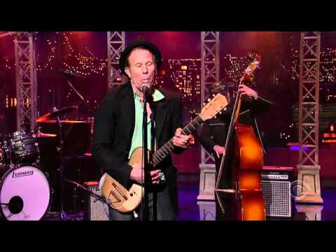 """Tom Waits -- """"Lie to Me"""" (Late Show with David Letterman, 2006)"""
