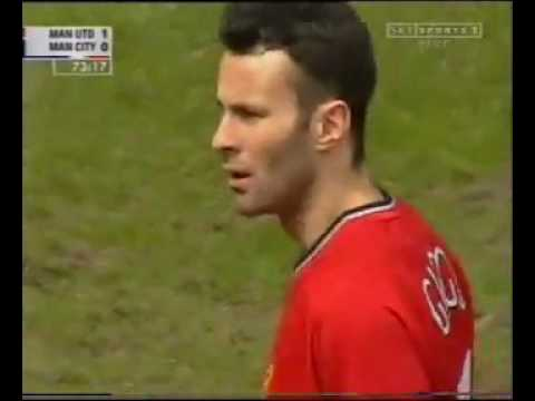 Ryan Giggs vs Manchester City Home 2000-2001