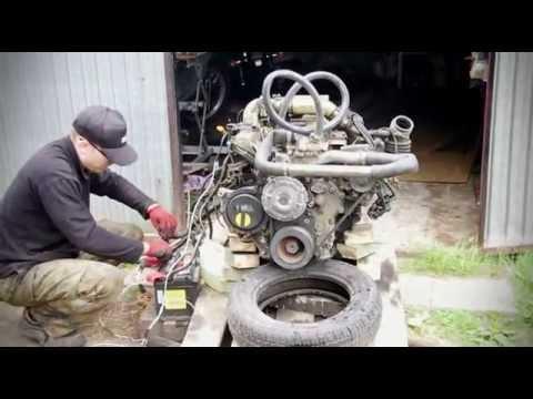 Nissan TD27T bare engine start up.