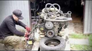 Nissan TD27T bare engine start up.