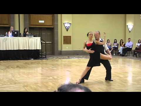 Argentine Tango - Erik Fleming & Kate Rosalik.mov