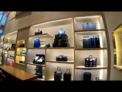 ⁴ᴷ⁶⁰ Walking Tour Of The Louis Vuitton Fifth Avenue Store, NYC During The Holidays 2018