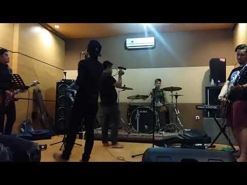 Bento Cover Rock By RIVEN Band Medan