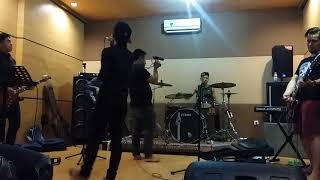 Video Bento cover rock by RIVEN Band medan download MP3, 3GP, MP4, WEBM, AVI, FLV Agustus 2018