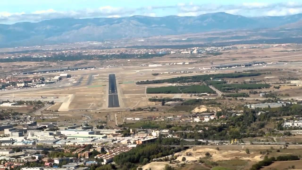 LANDING AT MADRID BARAJAS AIRPORT - YouTube
