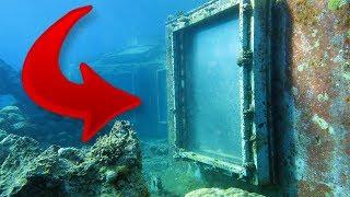 Denizin Altında Bir Kapı Buldu ve İçeriden İncelemeye Karar Verince Dehşete Düştü.