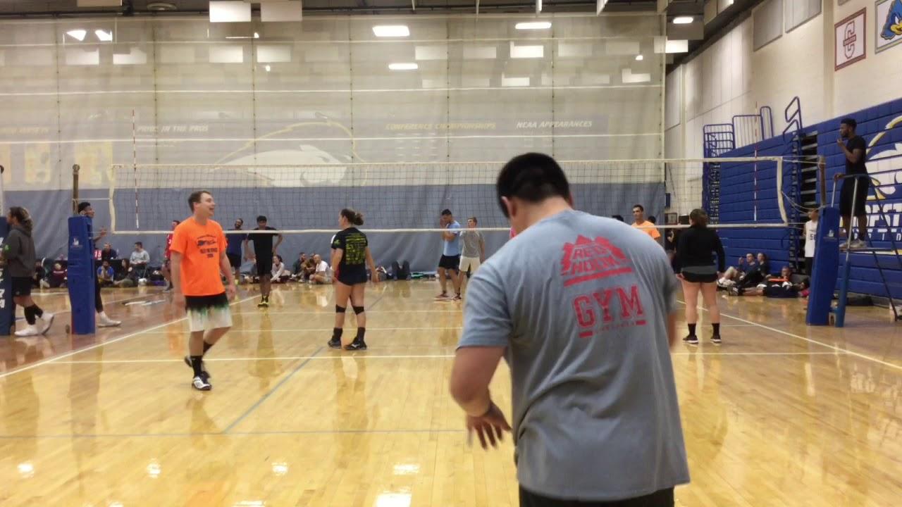 61fe49168 Nov 17, 2018 - Men's Six's Volleyball - Iffy Jiffy vs 4 Play - Match 9 /  Game 1