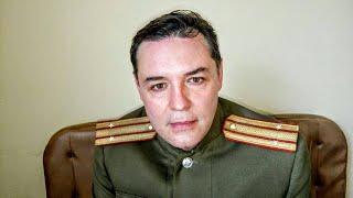 Актер Александр Прудников читает отрывок из романа