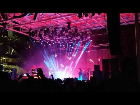 Deftones - Smile live at Dia De Los Deftones 11/2/19