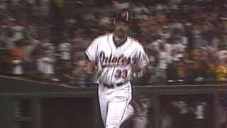 DET@BAL: Eddie Murray hits his 500th home run